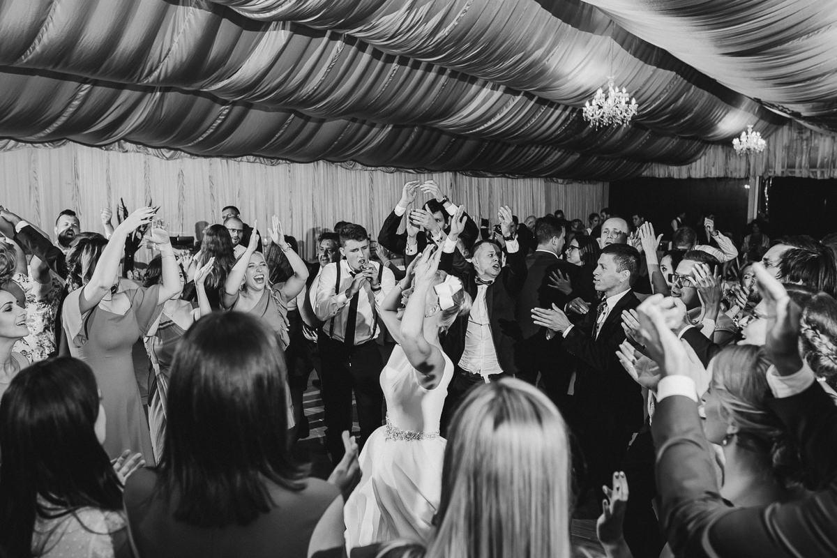 Martyna-Michał-wesele-palac-czarny-las-fotografia-slubna-slask_20170812_21-21-14_IMG_2025-2-1 Martyna & Michał - reportaż ślubny - Czarny Las - fotograf Śląsk