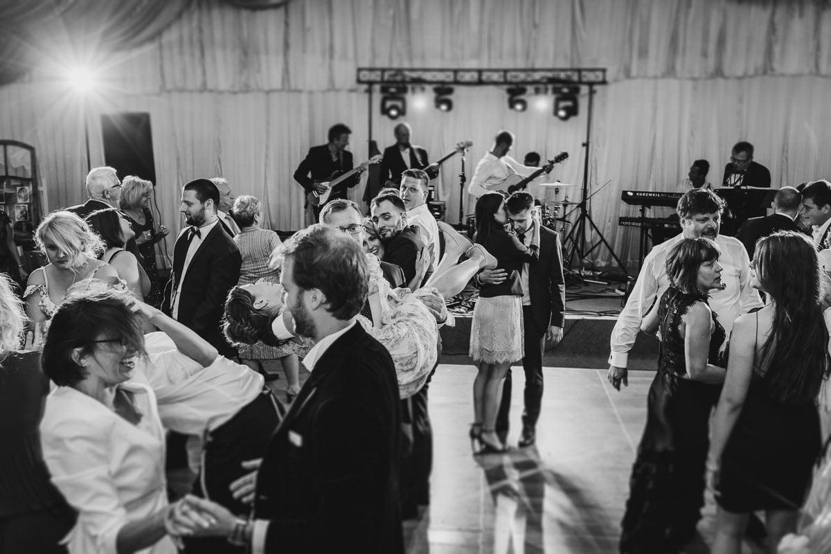 Martyna-Michał-wesele-palac-czarny-las-fotografia-slubna-slask_20170813_01-01-14_IMG_3082-Edit-1 Martyna & Michał - reportaż ślubny - Czarny Las - fotograf Śląsk