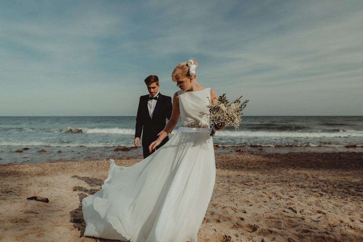 plener slubny nad morzem pomorskie sesja fotograf jastarnia lifestyle love story