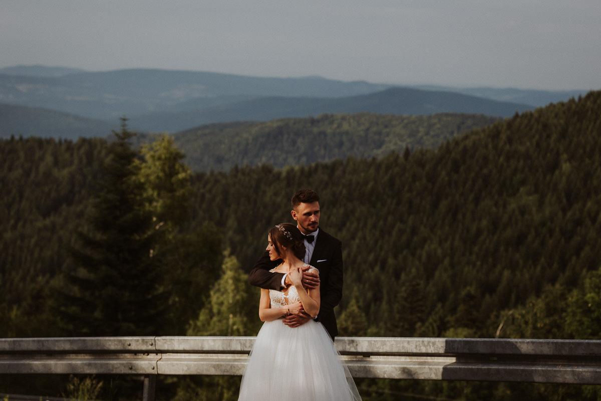 beskidzki raj fotograf ślubny kraków wesele rustykalne w górach hotel suknia ślubna małopolska